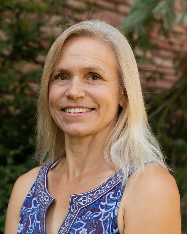 Headshot of keynote speaker Jenny Knight